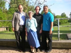 Lida Shkorkina fotograferet sammen med Jakob Erle, Chris Spicer og Edicio de la Torre, Vallekilde, 2007